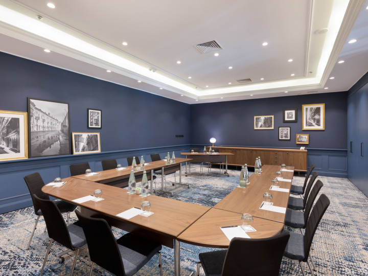 Skuna meeting room, u shape table set up